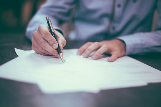 離婚の公正証書の作成方法。離婚協議書との違いとは?